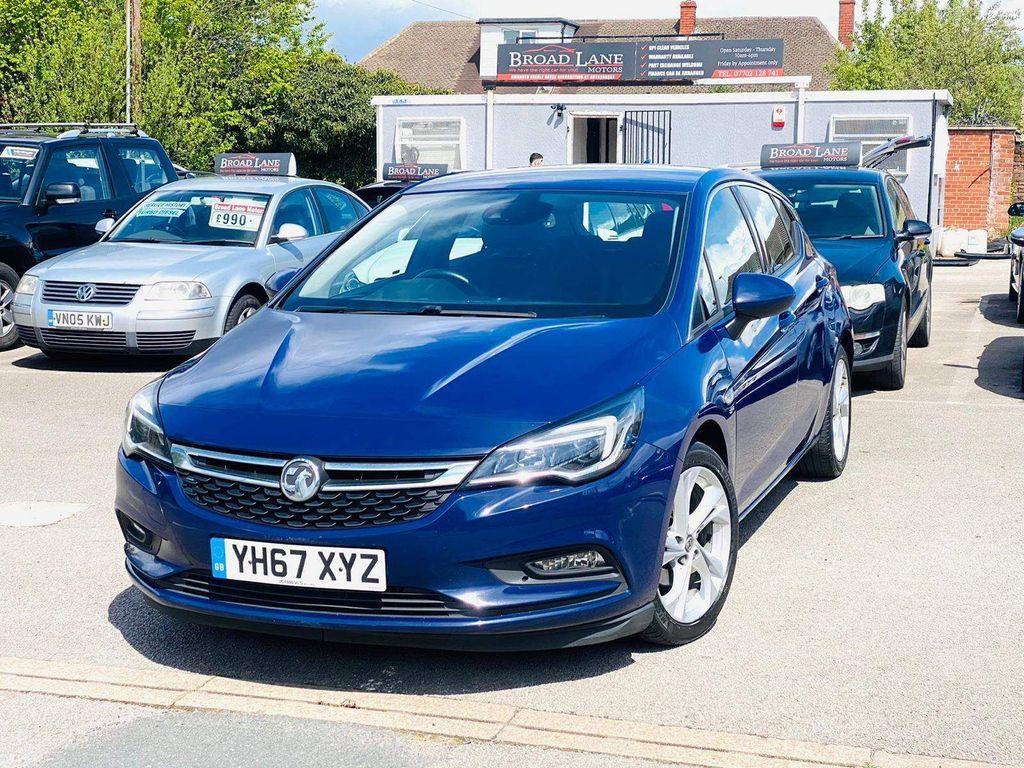 Vauxhall Astra Hatchback 1.6 CDTi ecoTEC BlueInjection SRi Nav (s/s) 5dr