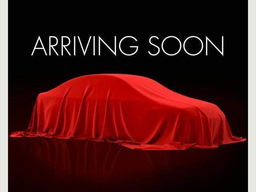 Toyota Hilux Pickup 2.4 D-4D Invincible Double Cab Pickup 4WD EU6 (s/s) 4dr (TSS)