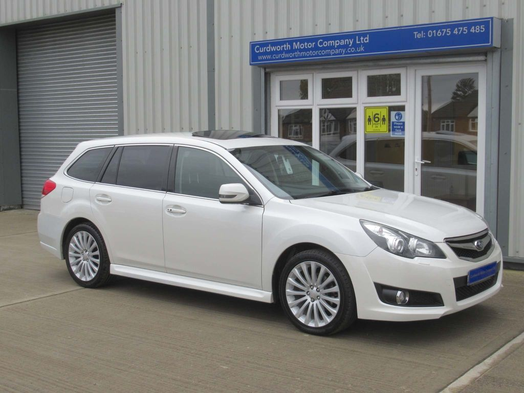Subaru Legacy Estate 2.5 SE Sports Tourer Lineartronic 4x4 5dr (NavPlus)
