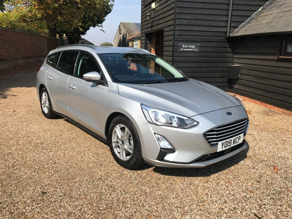 Ford Focus Estate 1.0T EcoBoost Zetec Auto (s/s) 5dr