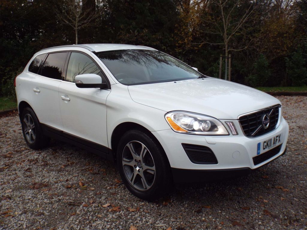 Volvo XC60 SUV 2.0 D3 DRIVe SE Lux Geartronic 5dr