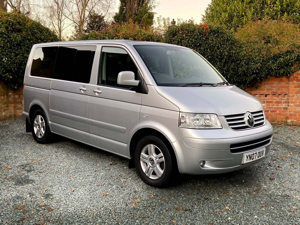 Volkswagen Caravelle MPV 2.5 TDI Executive Bus 4dr (7 Seats)