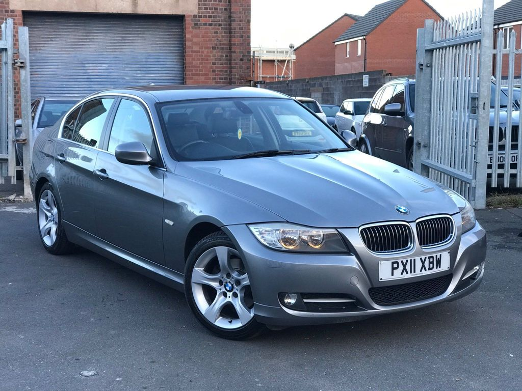 BMW 3 Series Saloon 2.0 320i Exclusive Edition 4dr