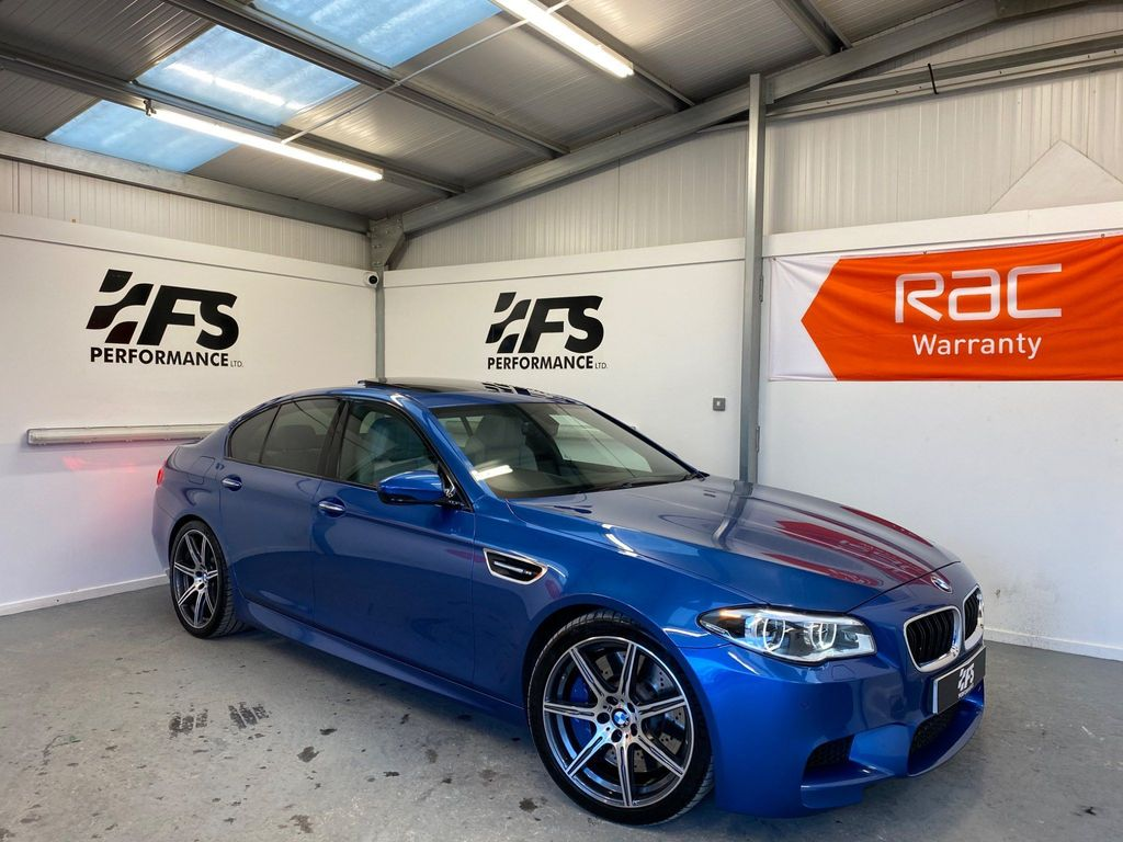 BMW M5 Saloon 4.4 V8 (Competition Pack) M DCT (s/s) 4dr