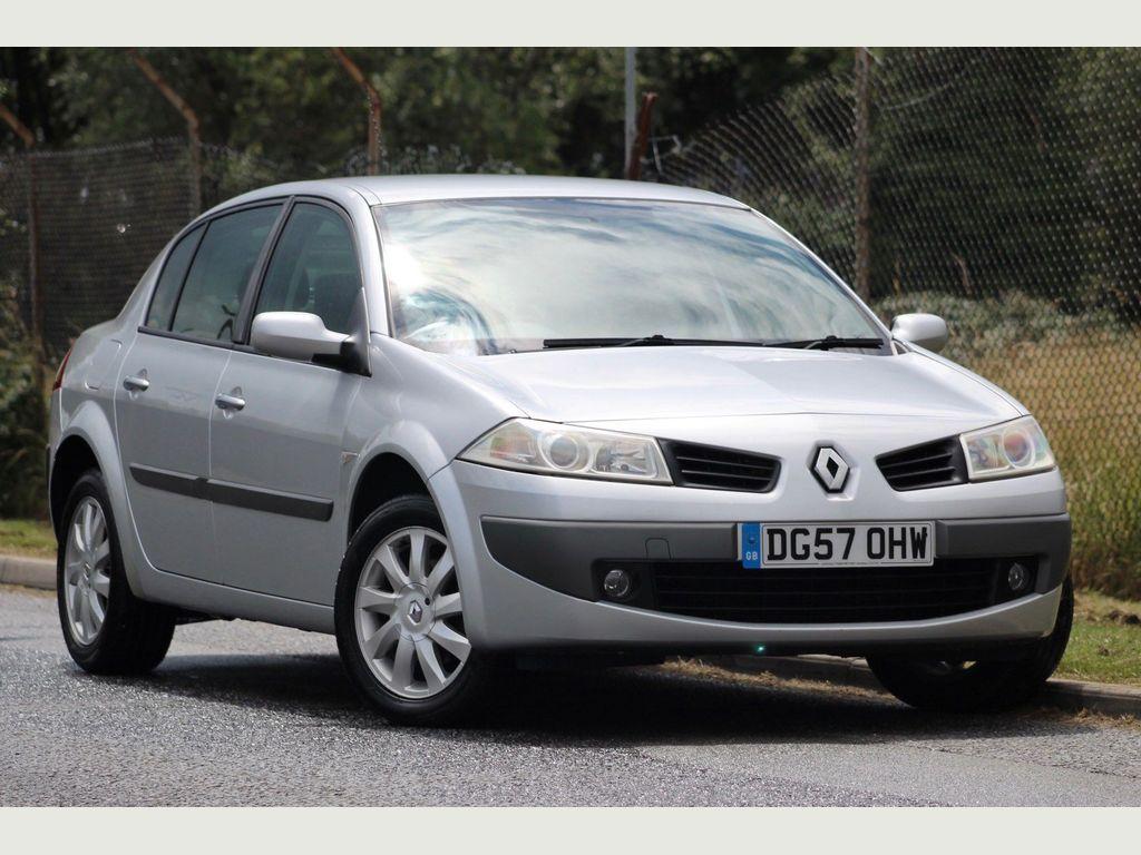 Renault Megane Saloon 1.6 VVT Dynamique 4dr