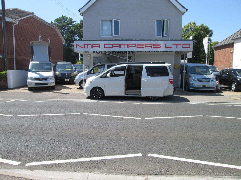 Toyota Alphard Campervan Campervan pop top full camper conversion