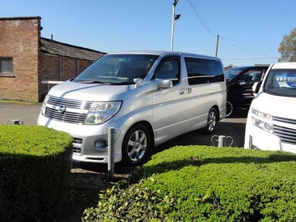 Nissan Elgrand MPV HIGHWAY STAR SERIES3 SUPERB FRESH IMPORT