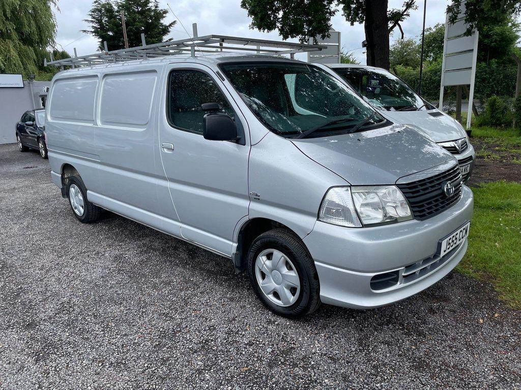 Toyota HiAce Panel Van 2.5 D-4D 300 4dr