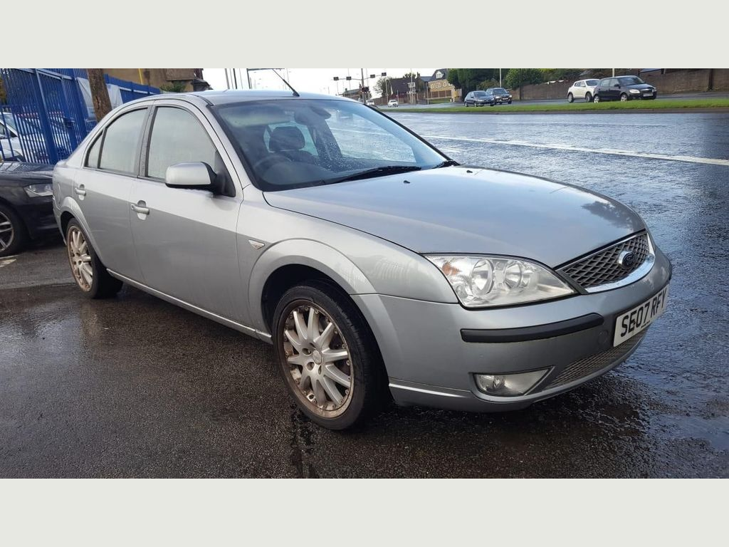 Ford Mondeo Hatchback 1.8 Edge 5dr