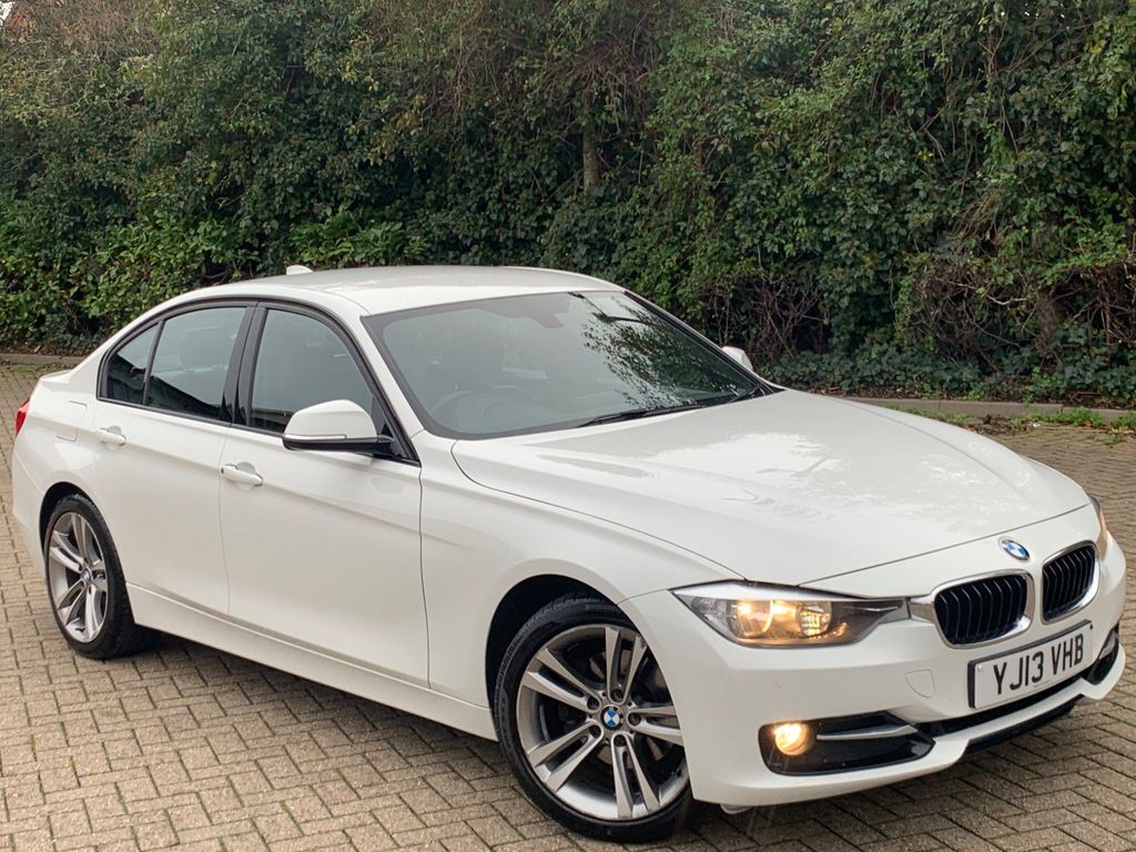 BMW 3 Series Saloon 2.0 320d Sport (s/s) 4dr