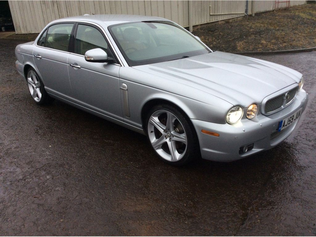 Jaguar XJ Saloon 2.7 TDVi Sovereign LWB Saloon 4dr