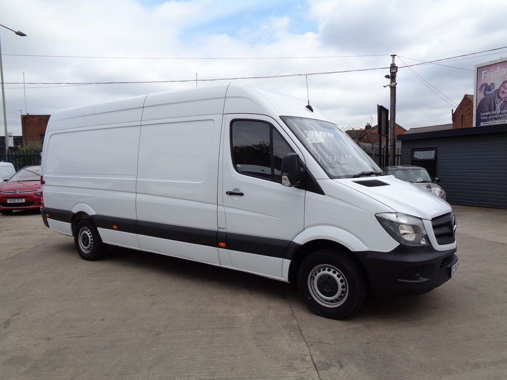 Mercedes-Benz Sprinter Panel Van 2.1 CDI 314 Extra High Roof Panel Van 5dr (EU6, LWB)