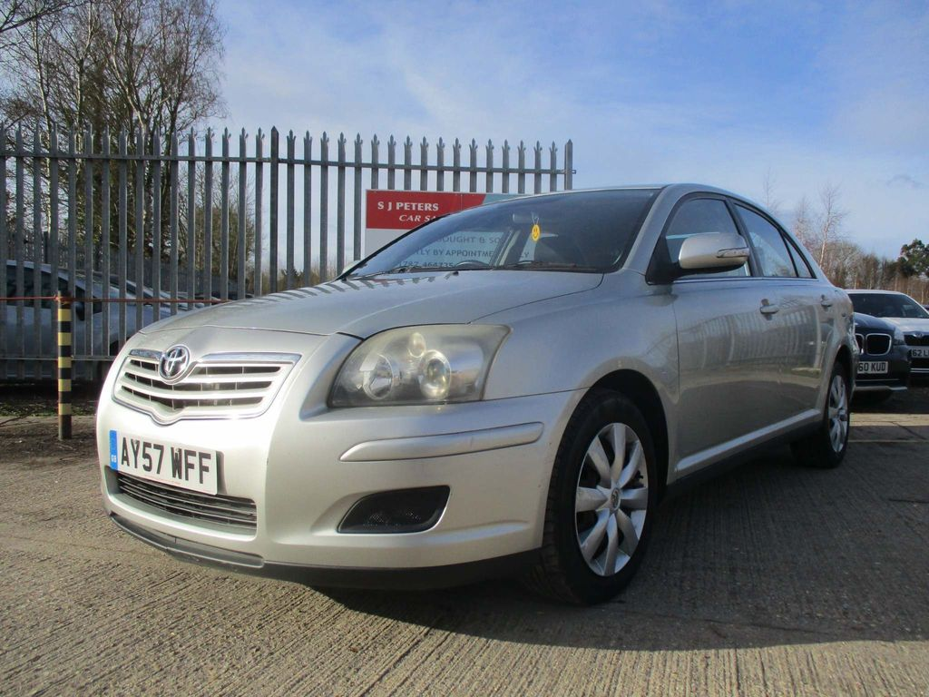 Toyota Avensis Hatchback 2.0 D-4D Colour Collection 5dr