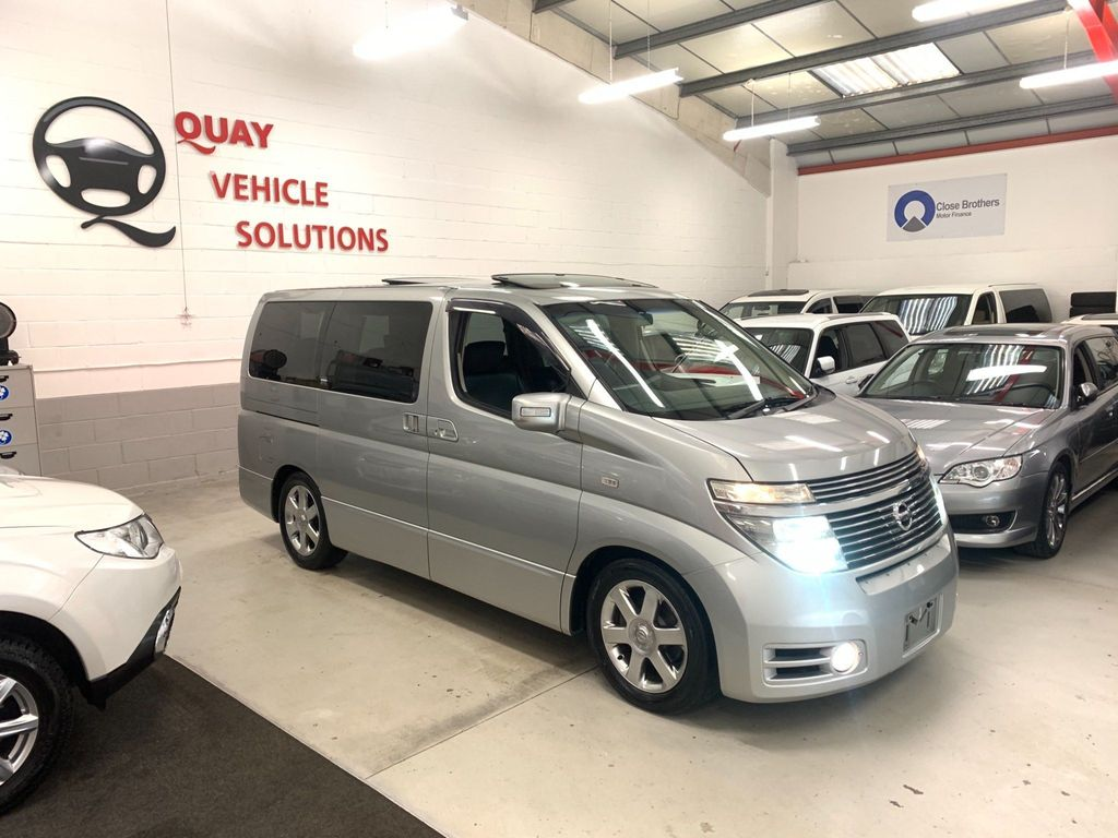Nissan Elgrand MPV HIGHWAY STAR 3500cc E51 8 SEATER MPV