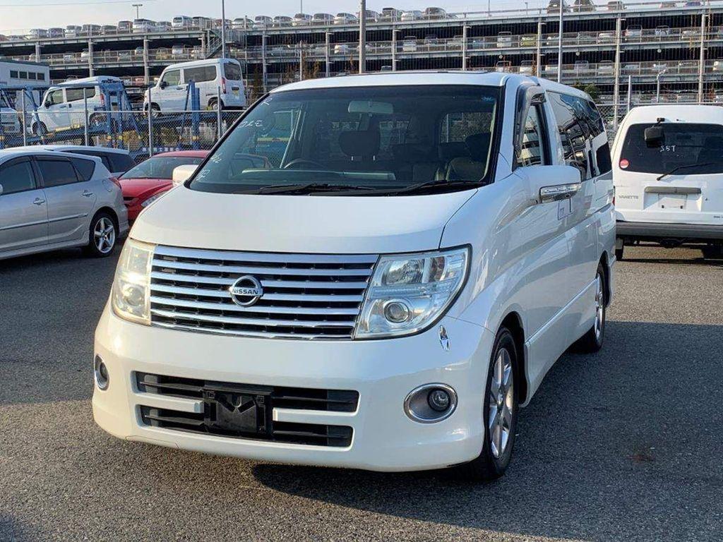 Nissan Elgrand MPV HIGHWAY STAR SUNROOFS BIMTA CERTIFIED