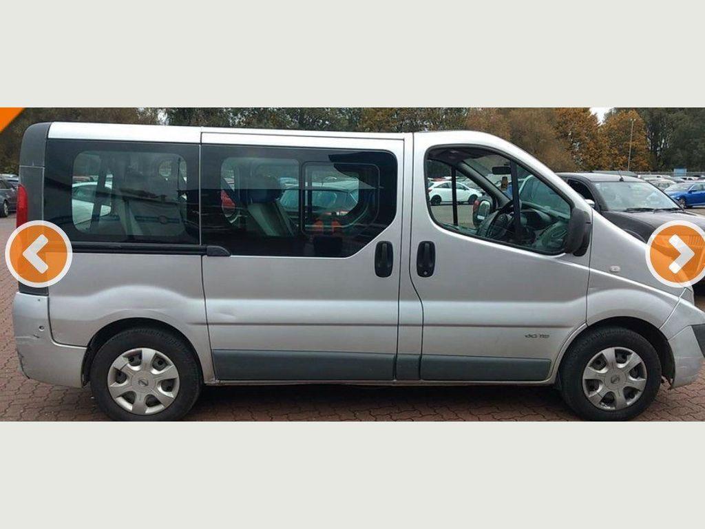Nissan Primastar Minibus 2.0 dCi SE 2900 Bus 4dr (EU5, 9 Seat)