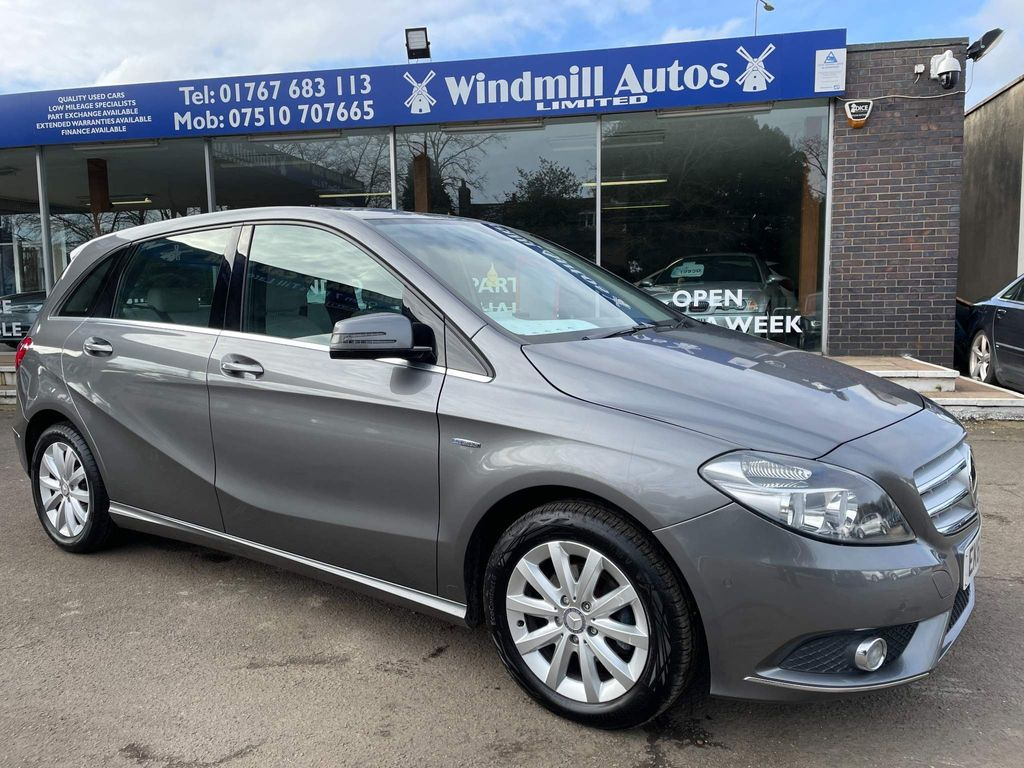 Mercedes-Benz B Class Hatchback 1.6 B180 BlueEFFICIENCY SE (s/s) 5dr