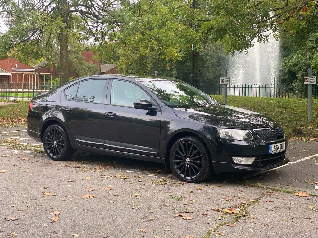 SKODA Octavia Hatchback 1.6 TDI CR DPF Black Edition 5dr