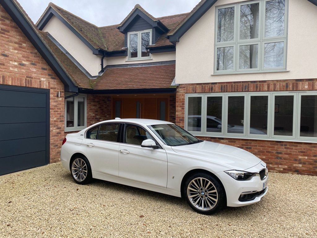 BMW 3 Series Saloon 2.0 330e 7.6kWh Luxury Auto (s/s) 4dr