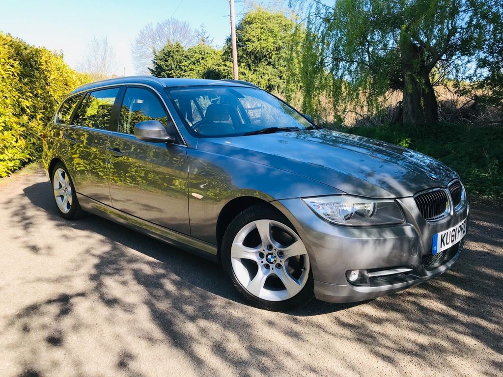 BMW 3 Series Estate 2.0 318i Exclusive Edition Touring 5dr