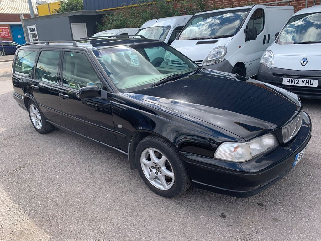 Volvo V70 Estate 2.5 TDi CD 5dr
