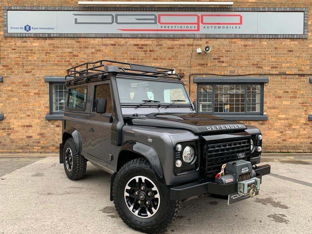 Land Rover Defender 90 SUV 2.2 TD Adventure Edition Station Wagon 3dr