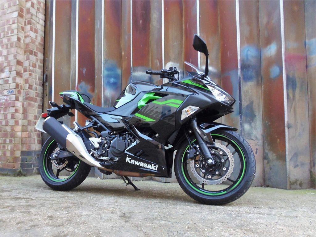 Kawasaki Ninja 400 Super Sports 400 ABS (KRT Edition)