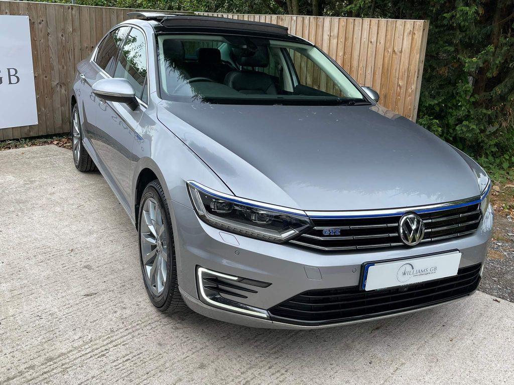 Volkswagen Passat Saloon 1.4 TSI GTE Advance DSG (s/s) 4dr