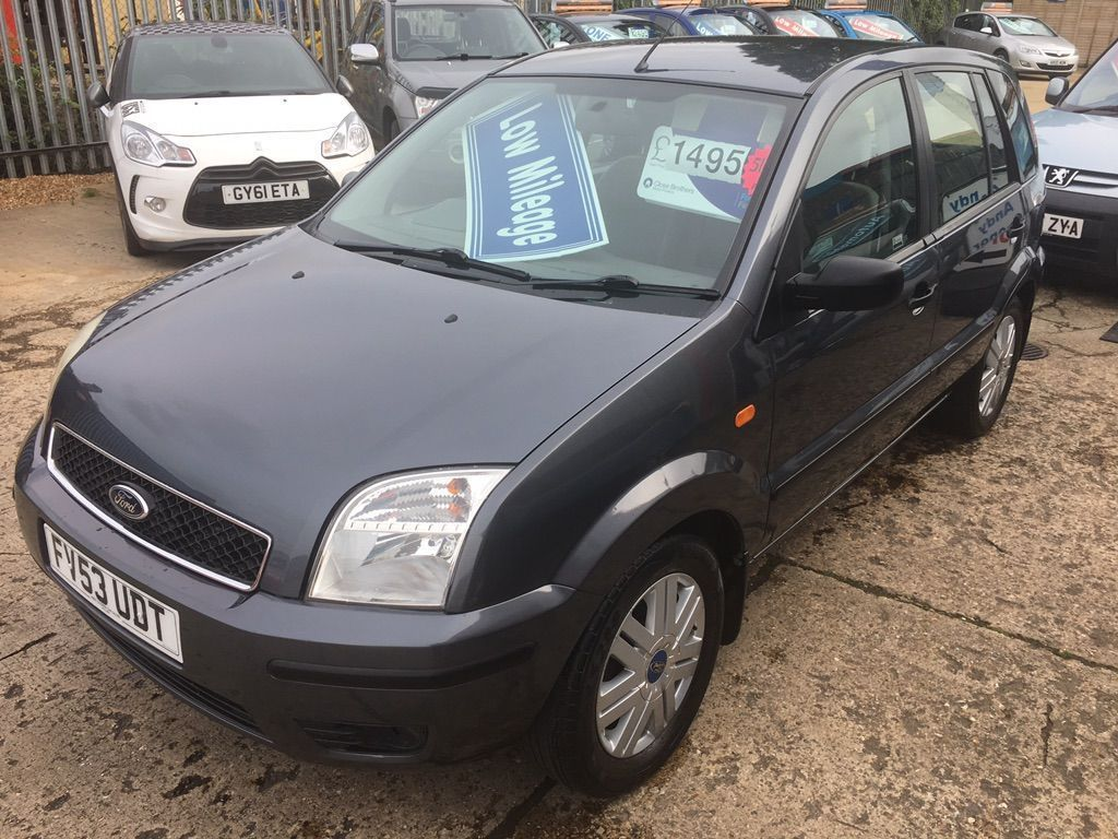 Ford Fusion Hatchback 1.6 3 5dr