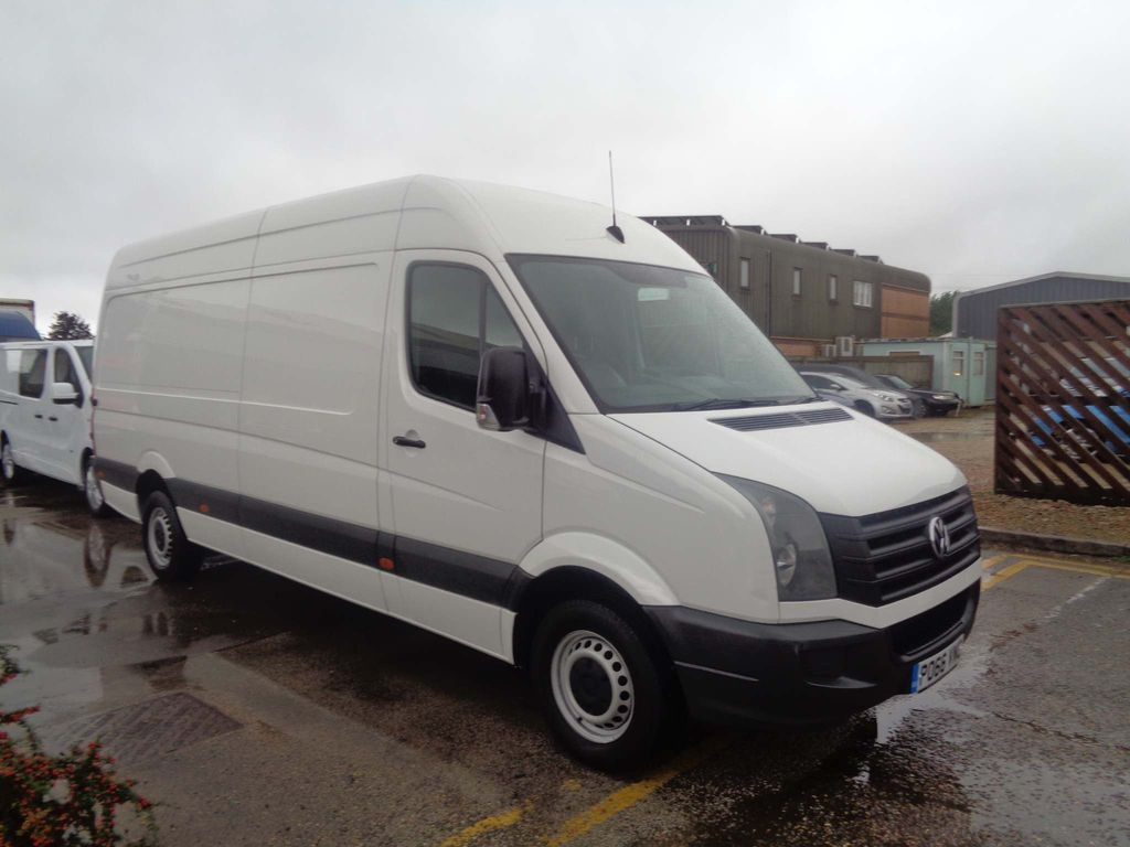 VOLKSWAGEN CRAFTER Panel Van 2.0 TDI BlueMotion Tech (EU6) CR35 High Roof Van 5dr (EU6, LWB)