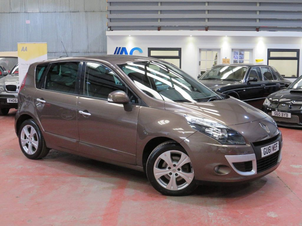 Renault Scenic MPV 1.6 dCi Dynamique TomTom (s/s) 5dr