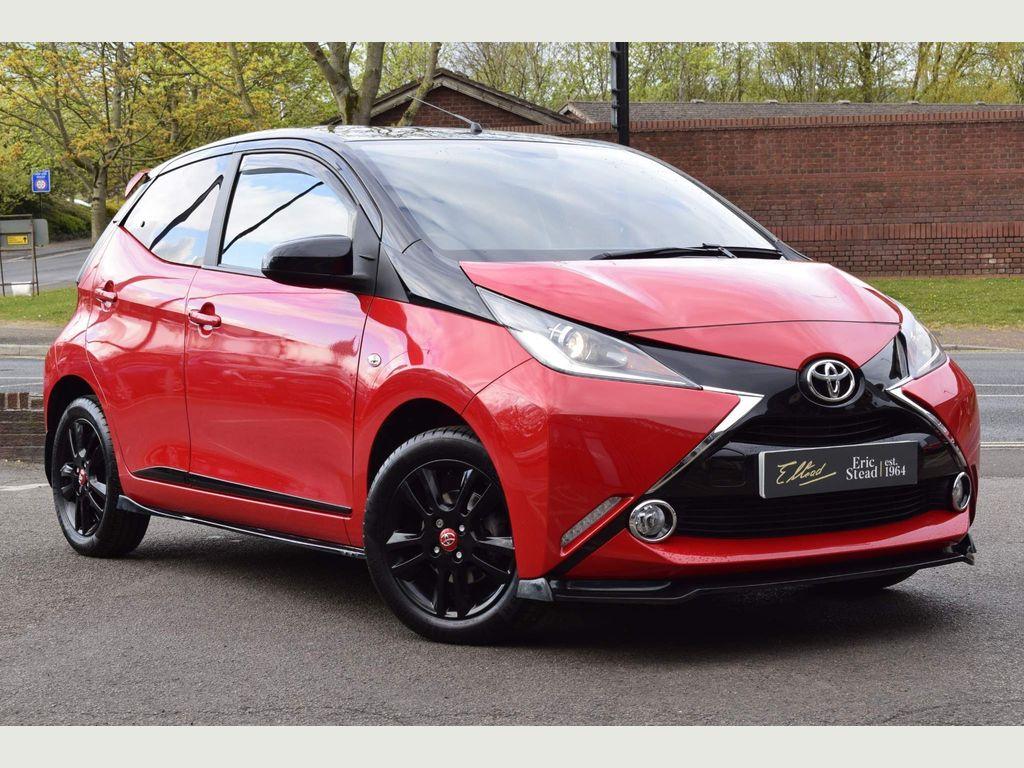 Toyota AYGO Hatchback 1.0 VVT-i x-cite 4 Red Bi-Tone 5dr