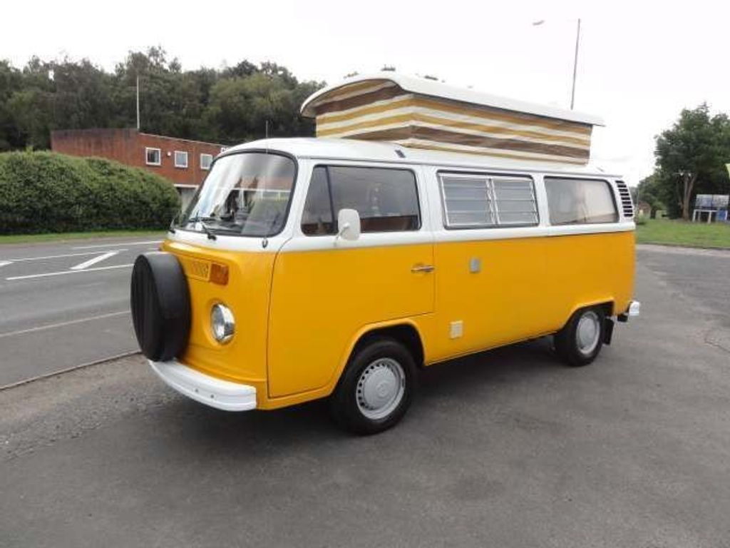 Volkswagen Campervan Camper T2 DEVON MOONRAKER LHD UK CAR 1 OWNER