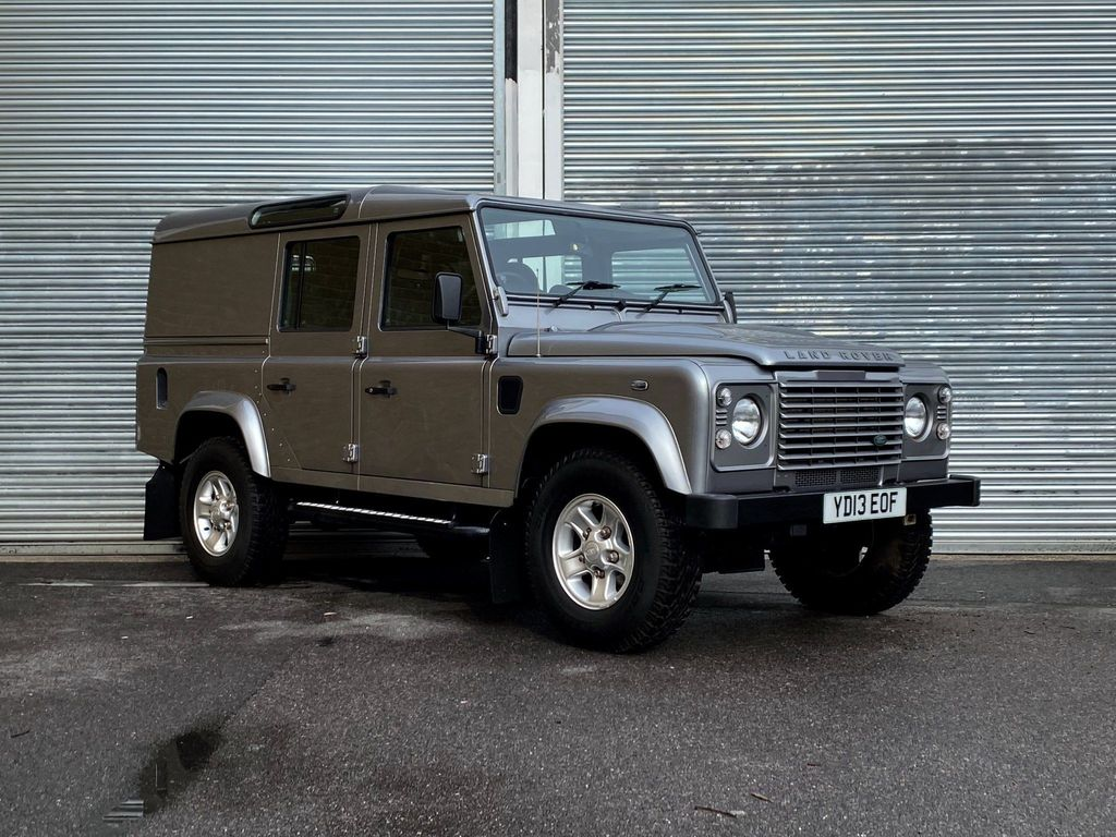 Land Rover Defender 110 SUV 2.2 D DPF County Utility Station Wagon 5dr