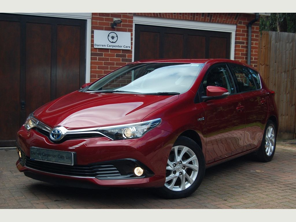 Toyota Auris Hatchback 1.8 VVT-h Business Edition CVT (s/s) 5dr (Safety Sense)