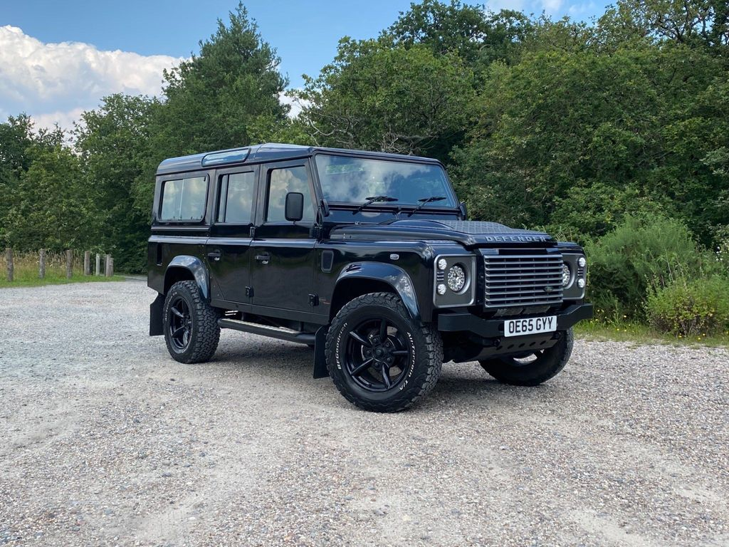 Land Rover Defender 110 SUV 2.2 TDCi XS Station Wagon 4WD MWB 5dr (7 Seats)