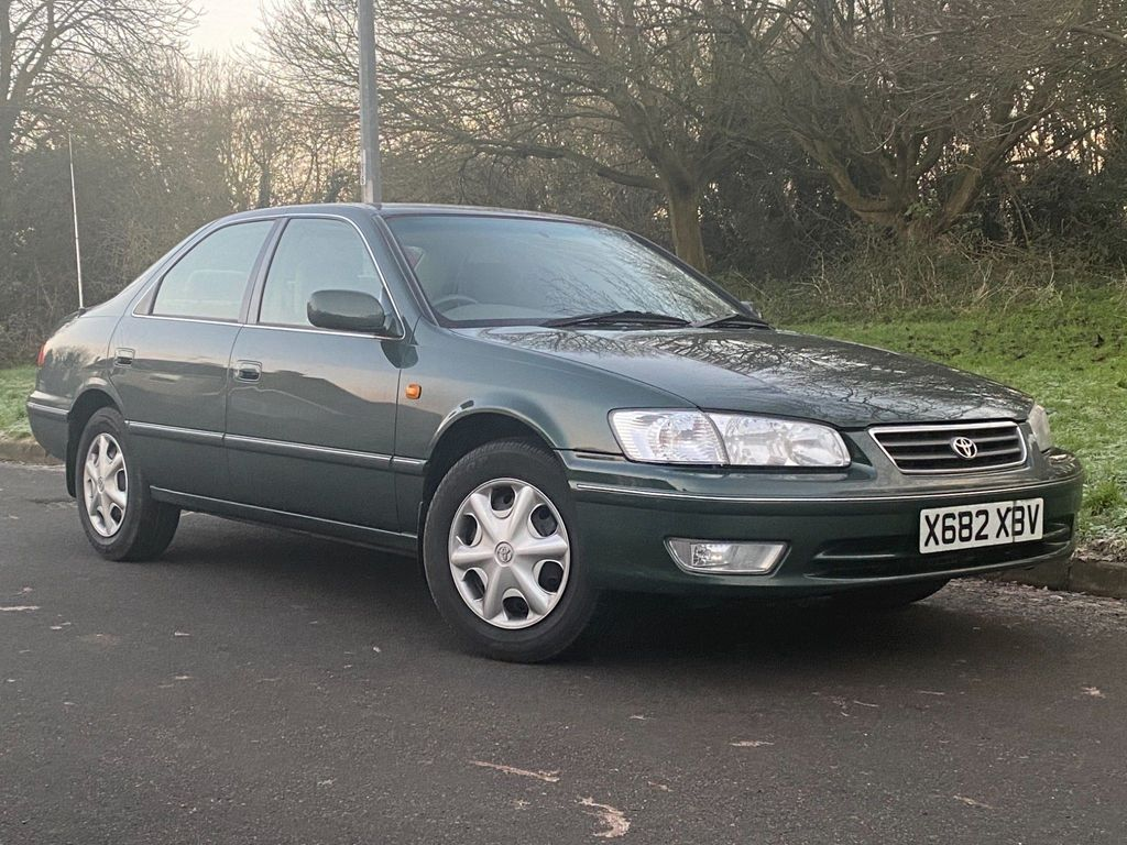 Toyota Camry Saloon 2.2 4dr