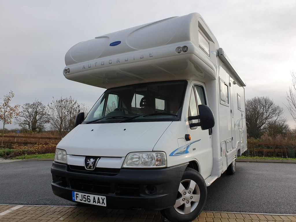 Autocruise NOW ON HOLD Coach Built Peugeot boxer 2.8 hdi