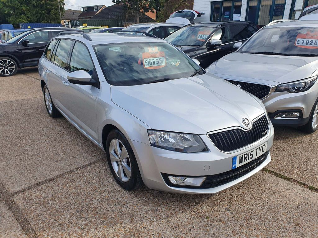 SKODA Octavia Estate 1.6 TDI GreenLine CR SE Business 5dr