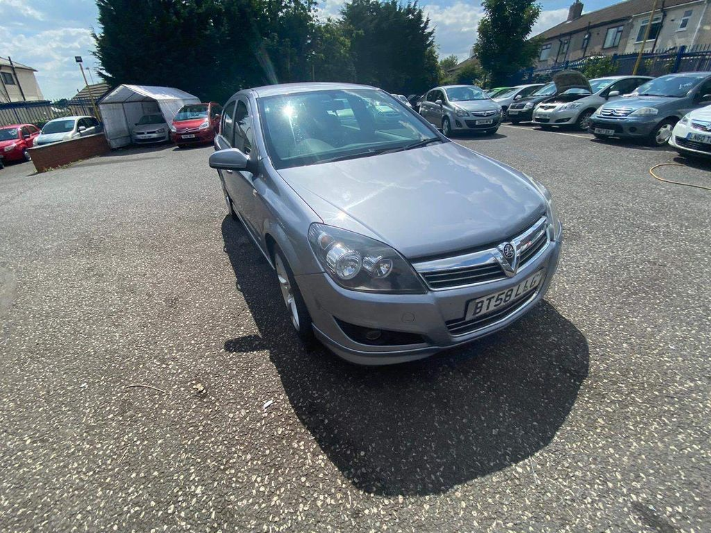 Vauxhall Astra Hatchback 1.8 i 16v SRi 5dr