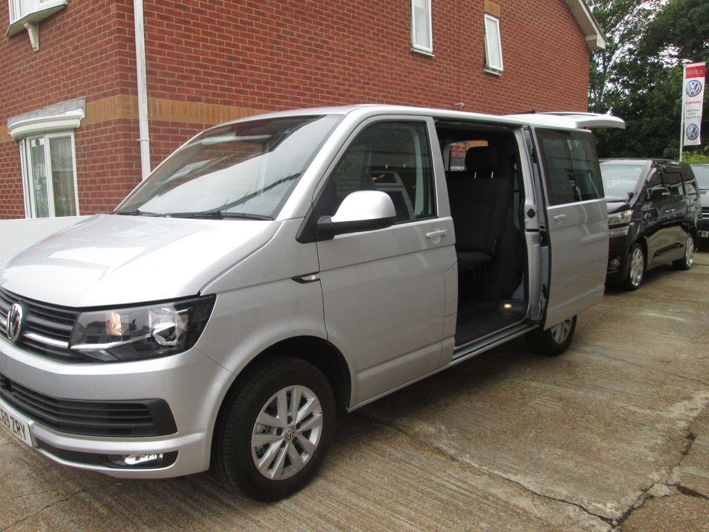 Volkswagen Transporter Combi Van 2.0 TDI T30 BlueMotion Tech Highline Crew Van DSG FWD (s/s) 5dr
