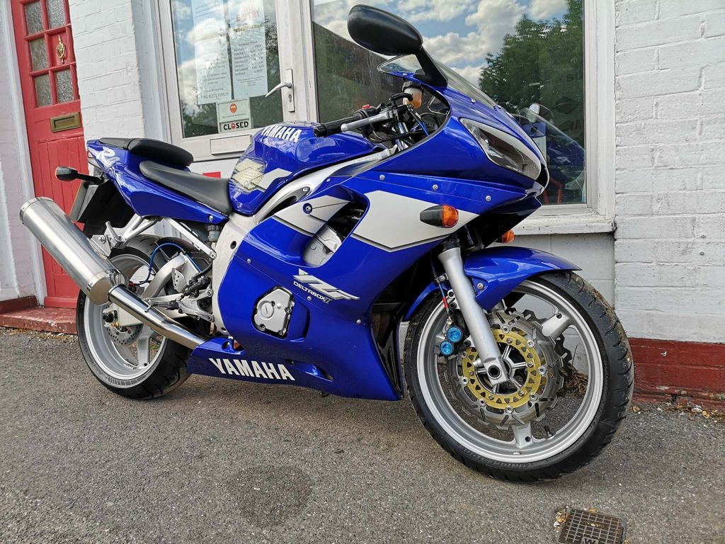 Yamaha R6 Sports Tourer 600