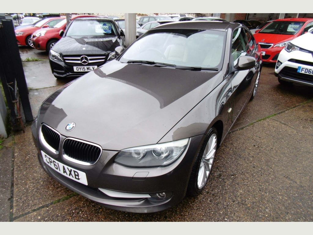 Bmw 500 Series >> Used Bmw 3 Series Coupe 2 0 320i M Sport 2dr In Royal
