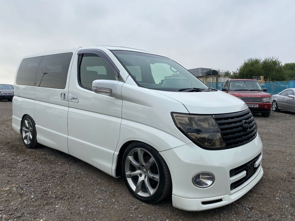 Nissan Elgrand MPV Highway Star full leather