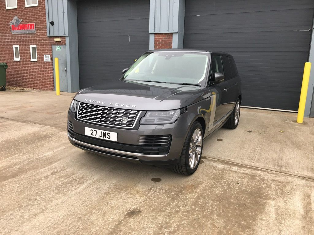 Land Rover Range Rover SUV 2.0 P400e 12.4kWh Vogue SUV 5dr Petrol Plug-in Hybrid Auto 4WD (s/s) (404 ps)