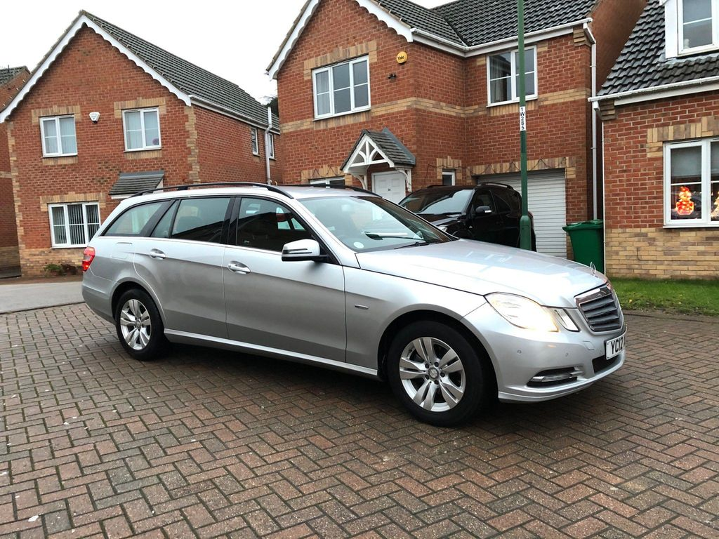 Mercedes-Benz E Class Estate 2.1 E220 CDI BlueEFFICIENCY SE 5dr
