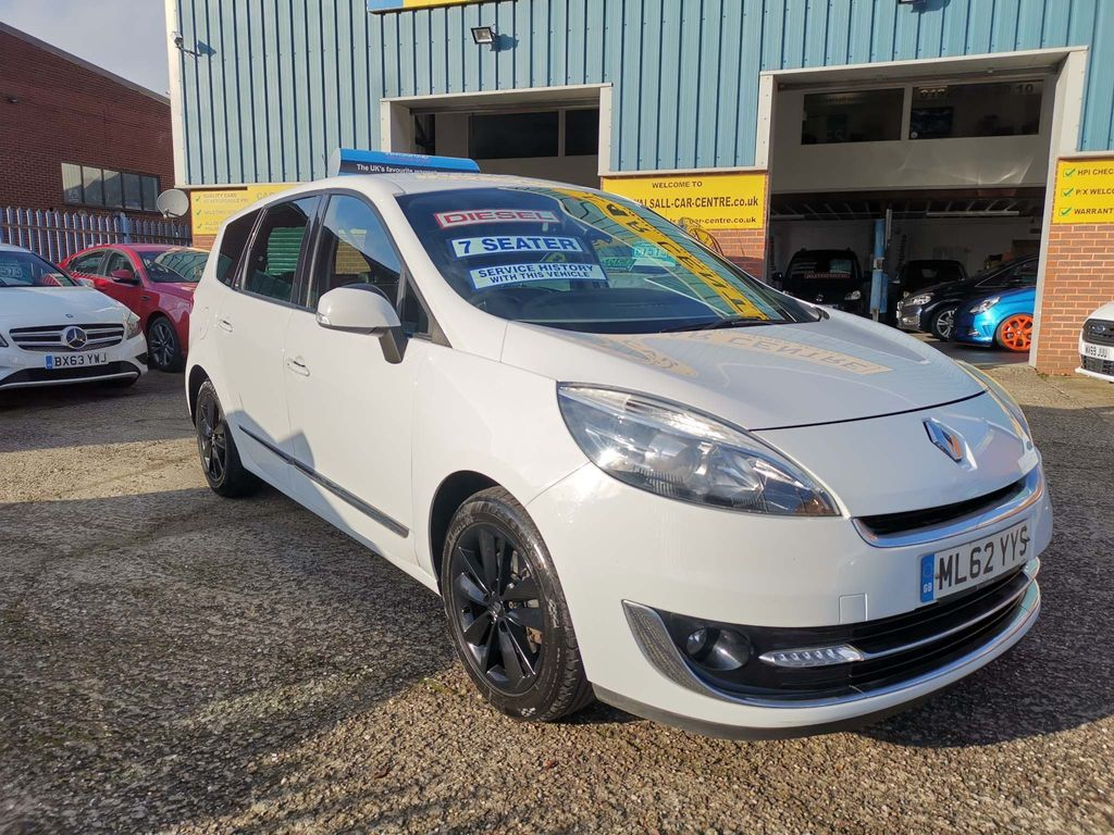 Renault Grand Scenic MPV 1.5 TD Dynamique TomTom Luxe pack (s/s) 5dr