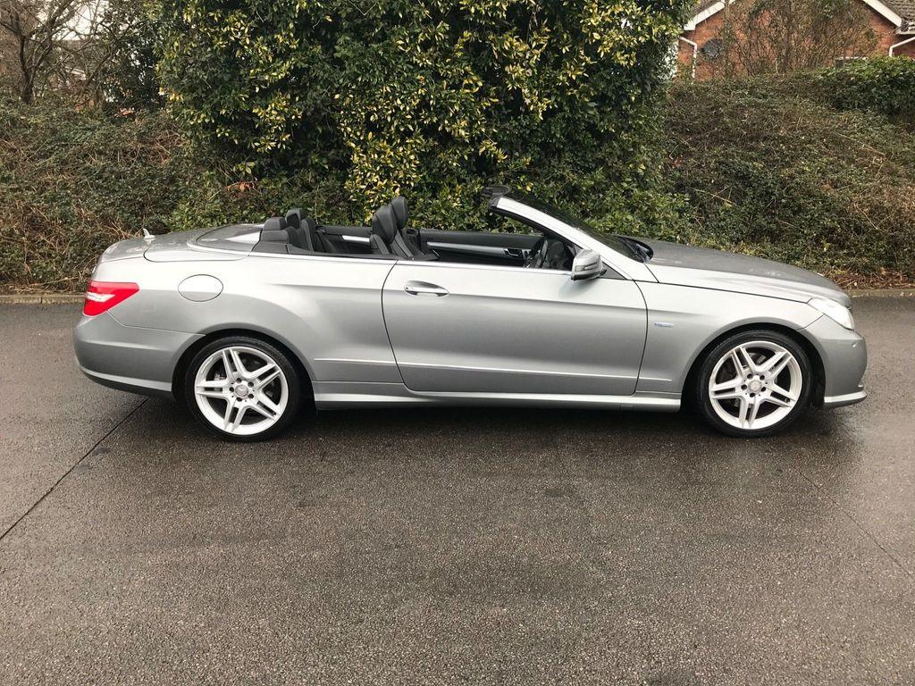 Mercedes-Benz E Class Convertible 2.1 E220 CDI BlueEFFICIENCY Sport Cabriolet G-Tronic 2dr
