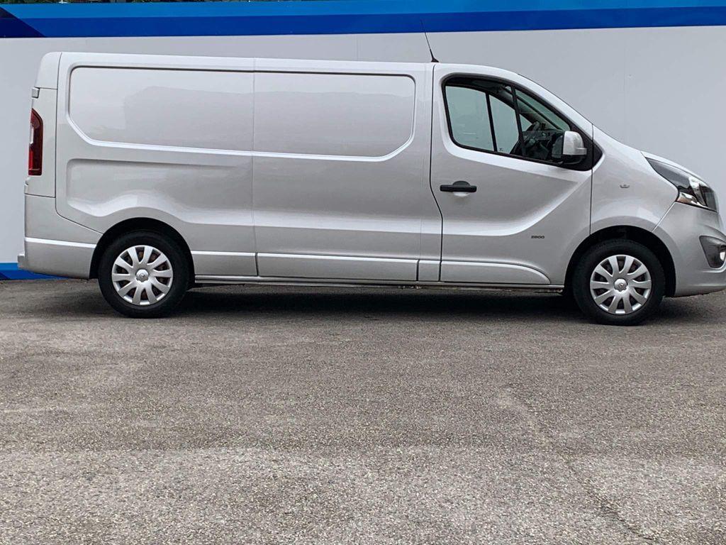 Vauxhall Vivaro Panel Van 1.6 CDTi 2900 Sportive L2 H1 EU5 5dr
