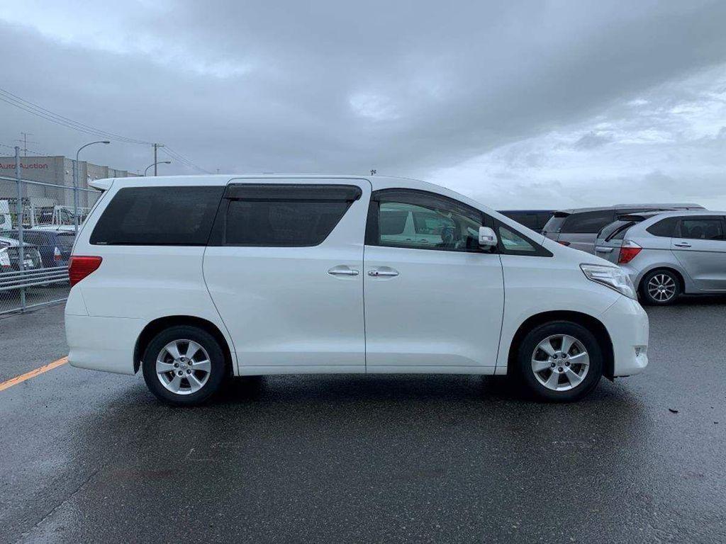 Toyota Alphard MPV 240 X